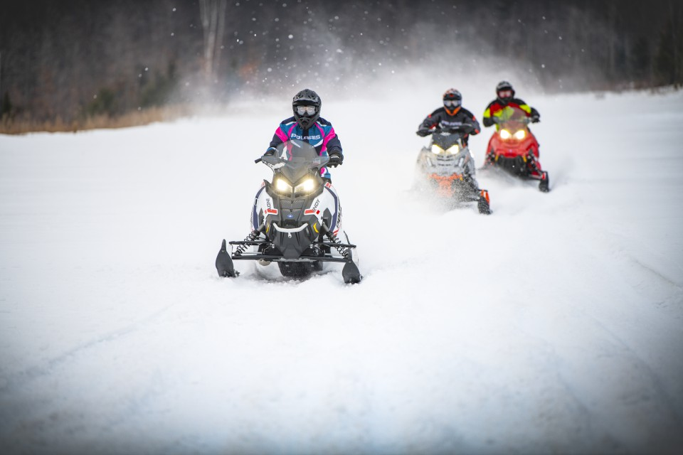 "Polaris 650 Indy Matryx VR1 137"" 1 or 2 person snowmobile"
